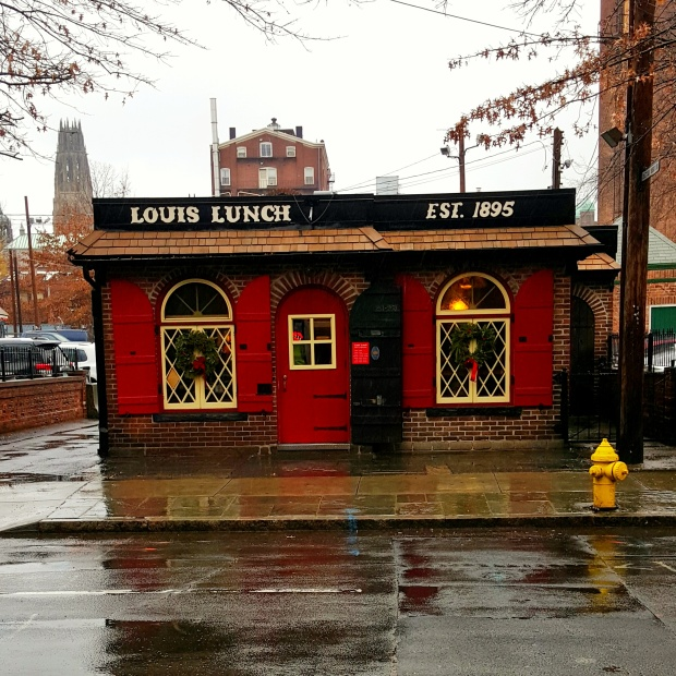 Louis lunch building